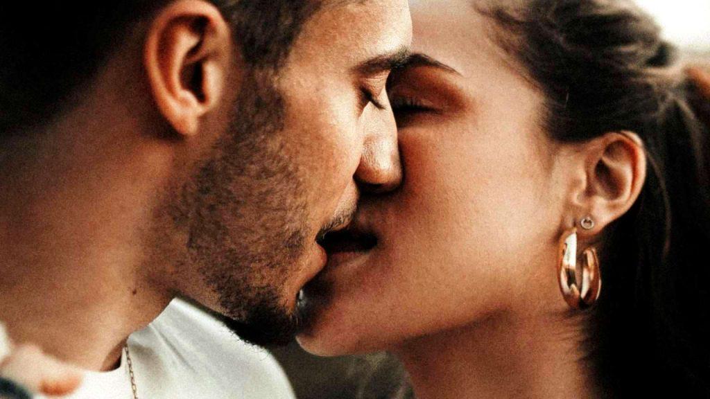 """Νέα ερωτική σχέση: Μην """"χάνεις"""" τον εαυτό σου"""